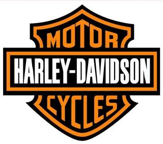 Kim Koum achète Harley-Davidson